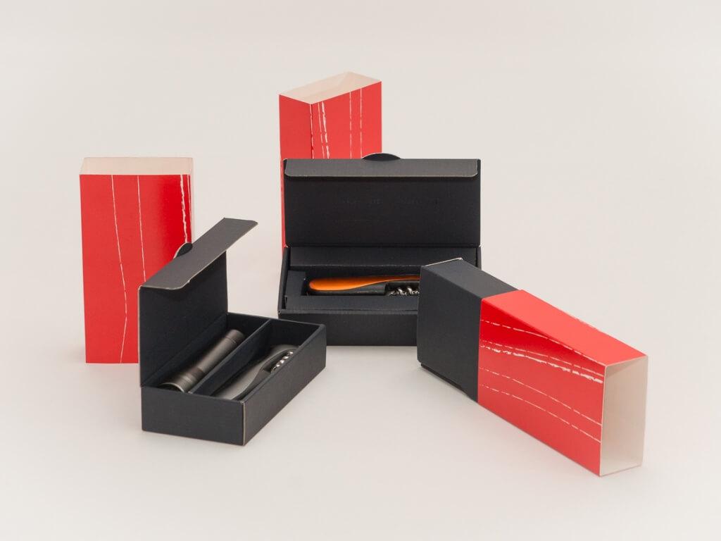 Exklusive Verpackung rot-schwarz