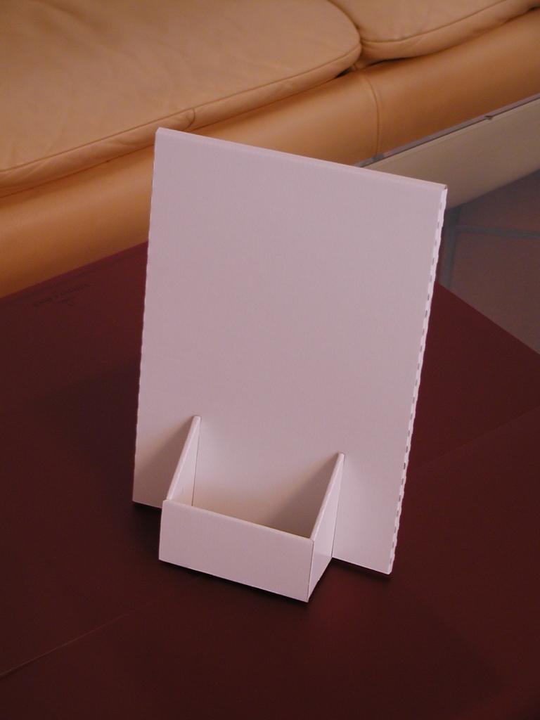 Beispiel kleiner Pappaufsteller